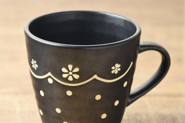 11cm黒マットお花のレース柄マグカップ