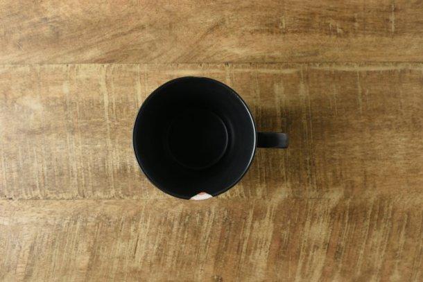 和空間 12cm梅柄黒マットマグカップ