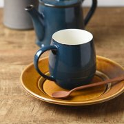 コーヒーの香りをカップの中に包み込む形状