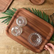 滑り止め付きで安心なスタイリッシュ木製トレー