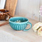 楚々とした削ぎ模様のフレンチシャビーなスープカップ