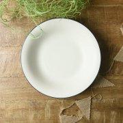 ふちどりが可愛いふんわりマットなスープ皿