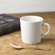 スタンダードな形状のマグカップ