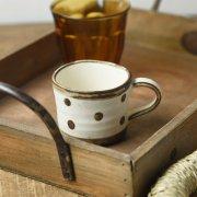 刷毛目描きのさらさら素朴な風合いのコーヒーカップ