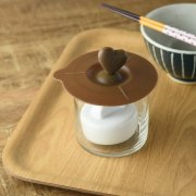 浅漬けが手軽に作れるポップなガラス鉢