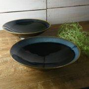 引き込まれるような紺色の味わい深い大鉢