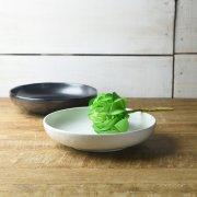 和モダンなシンプルカラーの浅鉢