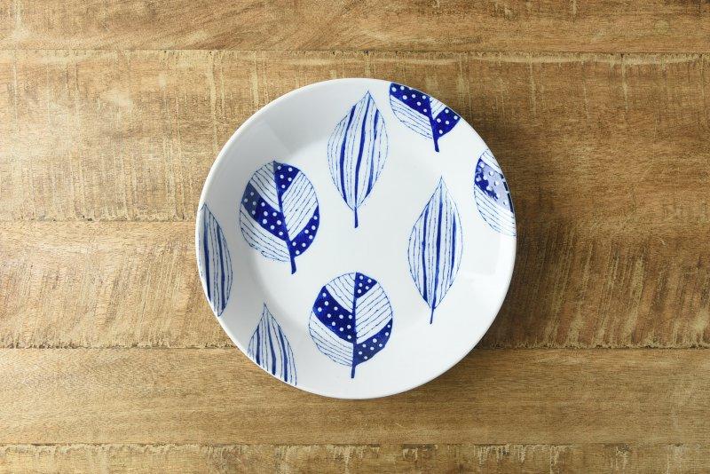 ブルーパターン 20.5cmプレート コノハ